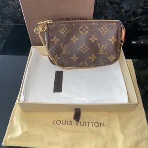 Louis Vuitton Mini Pochette Accessory